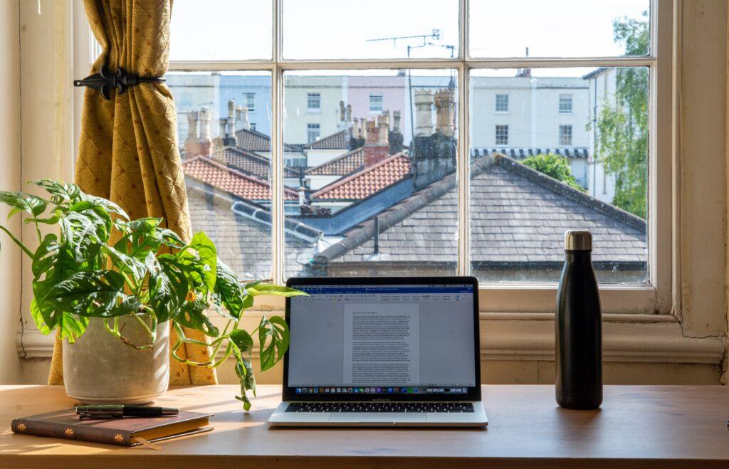Fem tips til å holde motivasjonen oppe på hjemmekontoret